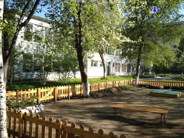 На фото видно здание с адресом улица Волгоградская, 37А, Екатеринбург -  детский сад 45