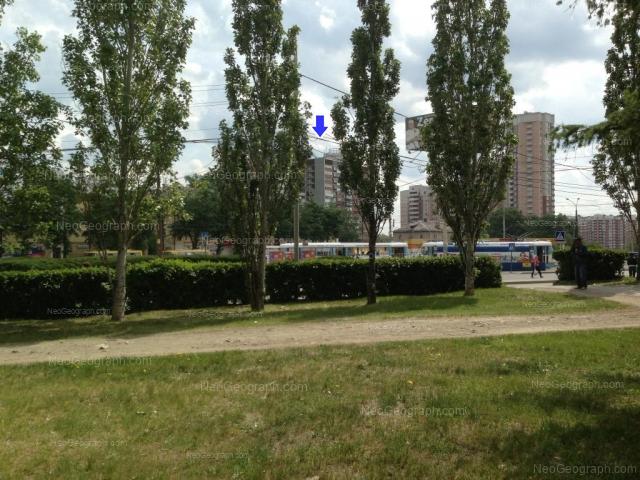 Адрес(а) на фотографии: улица 8 Марта, 179А, 179Б, 179В, 181/2, Екатеринбург