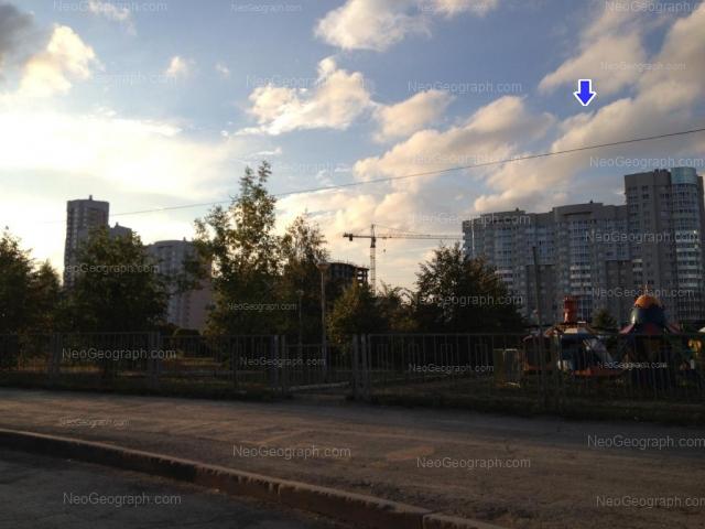 Адрес(а) на фотографии: улица Юлиуса Фучика, 1, 5, Екатеринбург