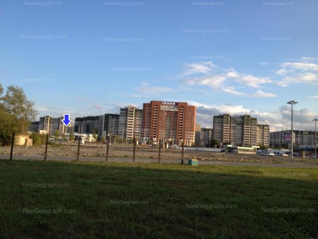 Адрес(а) на фотографии: улица Крестинского, 63, 67, Екатеринбург