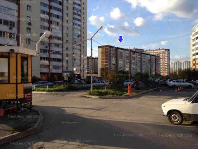 Address(es) on photo: Akademika Shvartsa street, 10 к1, 10 к3, Yekaterinburg