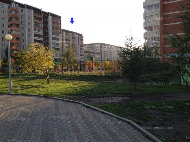 Адрес(а) на фотографии: улица Академика Шварца, 6 к2, 8 к3, 10 к1, 10 к2, 10 к3, Екатеринбург