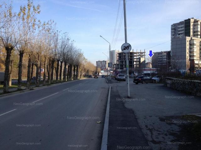 Адрес(а) на фотографии: улица 8 Марта, 185/1, 187, Екатеринбург