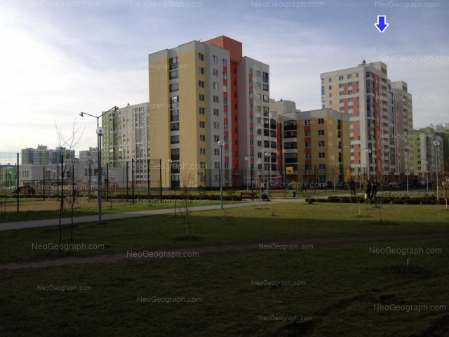 Address(es) on photo: Krasnolesiya street, 113, 115, 117, 121, 127, Yekaterinburg
