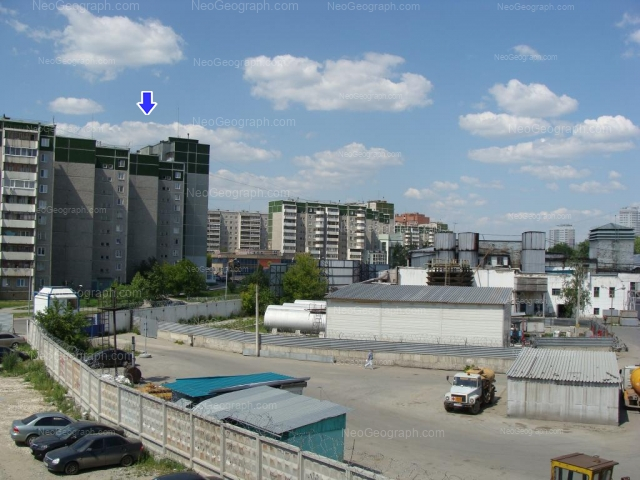 Адрес(а) на фотографии: улица Крестинского, 55 к1, 59 к1, 59 к3, Екатеринбург