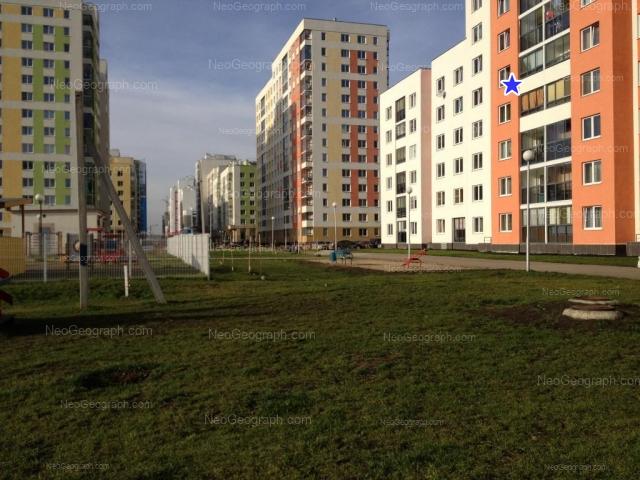 Адрес(а) на фотографии: улица Краснолесья, 113, 119, 121, 127, Екатеринбург