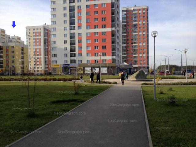 Адрес(а) на фотографии: улица Краснолесья, 111, 113, 121, 123, Екатеринбург