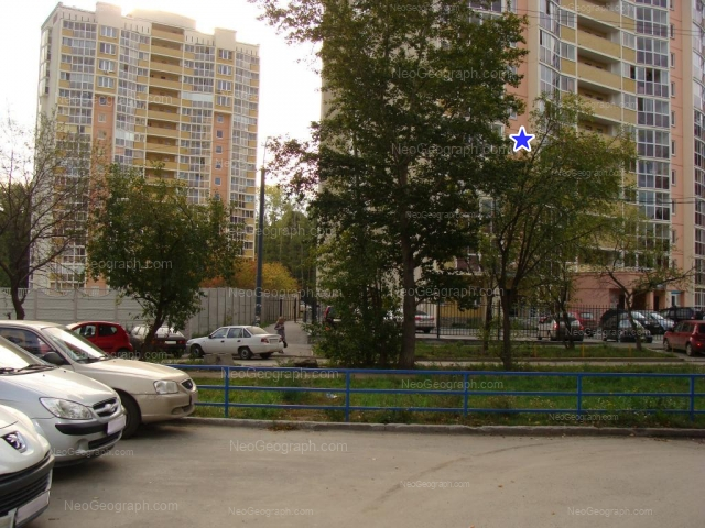 Адрес(а) на фотографии: улица Академика Постовского, 17, 19, Екатеринбург