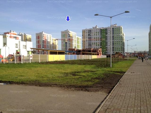 Адрес(а) на фотографии: улица Краснолесья, 99, 101, 103, 115, Екатеринбург