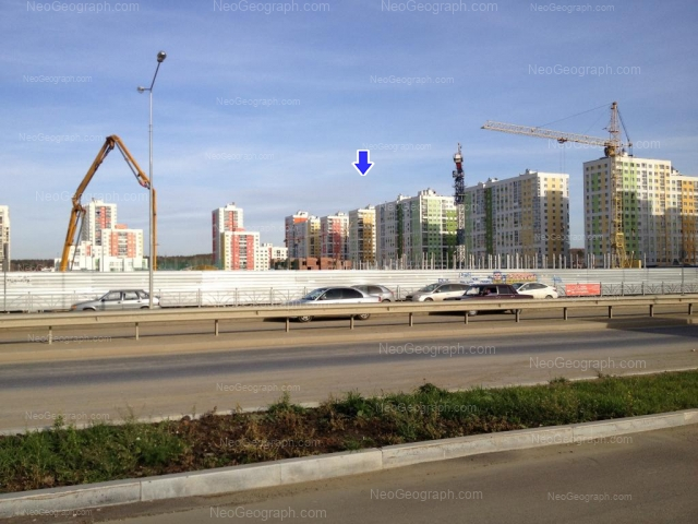 Адрес(а) на фотографии: улица Краснолесья, 101, 103, 107, Екатеринбург