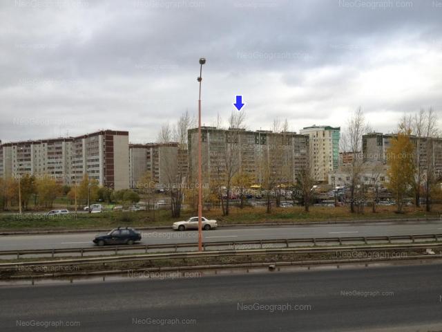 Адрес(а) на фотографии: улица Крестинского, 37/1, 37/2, 39А, Екатеринбург