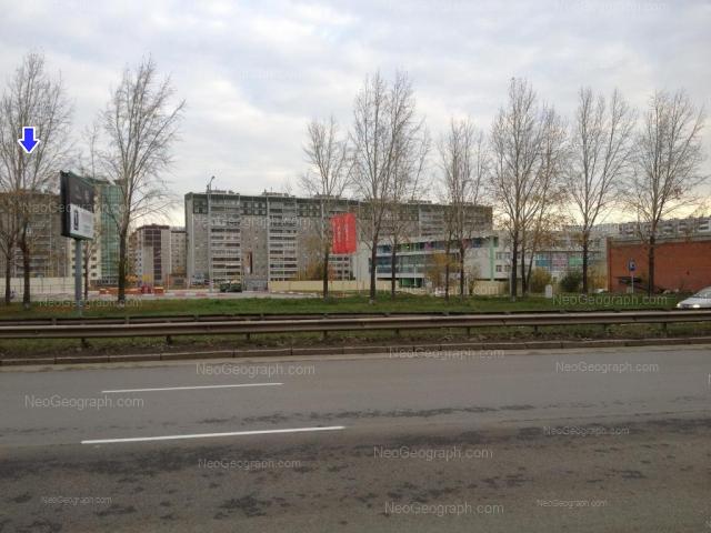 Адрес(а) на фотографии: улица Крестинского, 37, 37/1, 37/2, 39, 42, Екатеринбург