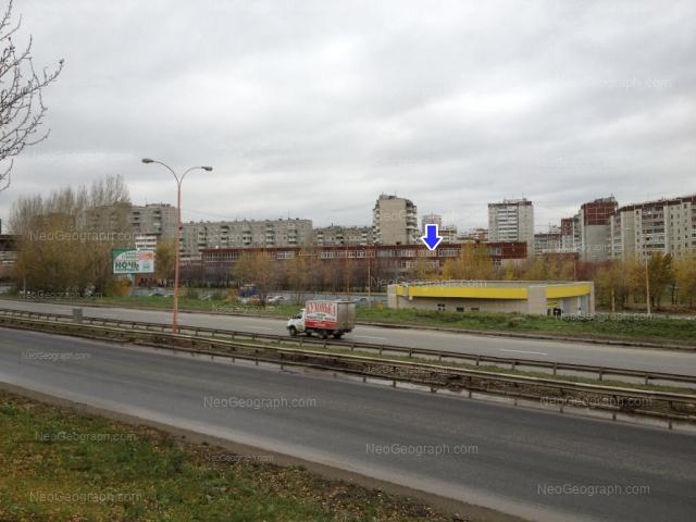 Адрес(а) на фотографии: улица Крестинского, 31, 33, 34, Екатеринбург