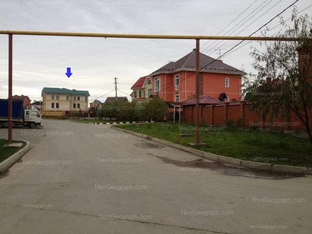 Адрес(а) на фотографии: Колокольная улица, 54, 60, 64, Екатеринбург