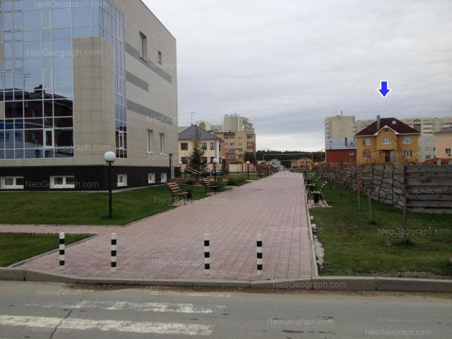 Адрес(а) на фотографии: улица Барвинка, 19, 21, 25, Екатеринбург