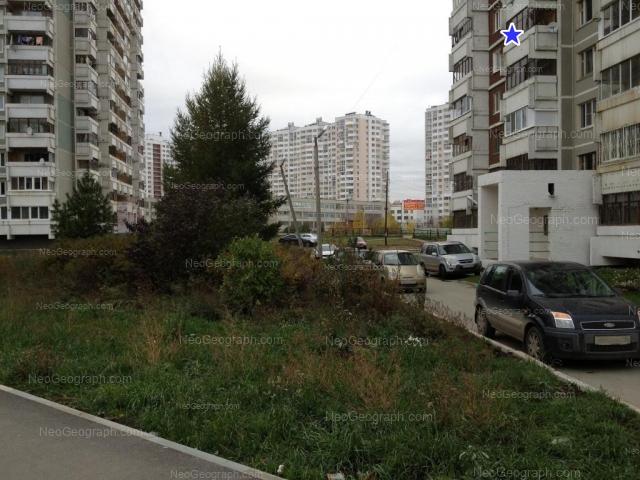 Адрес(а) на фотографии: улица Краснолесья, 16, 18, 22, Екатеринбург