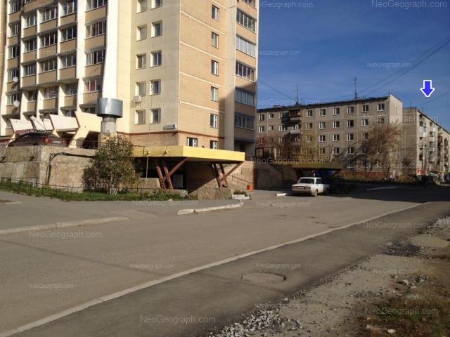 Address(es) on photo: Patriotov street, 6 к2, 8, 10, Yekaterinburg