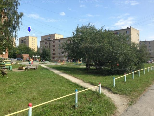 Адрес(а) на фотографии: Селькоровская улица, 72, 74, 76, Екатеринбург