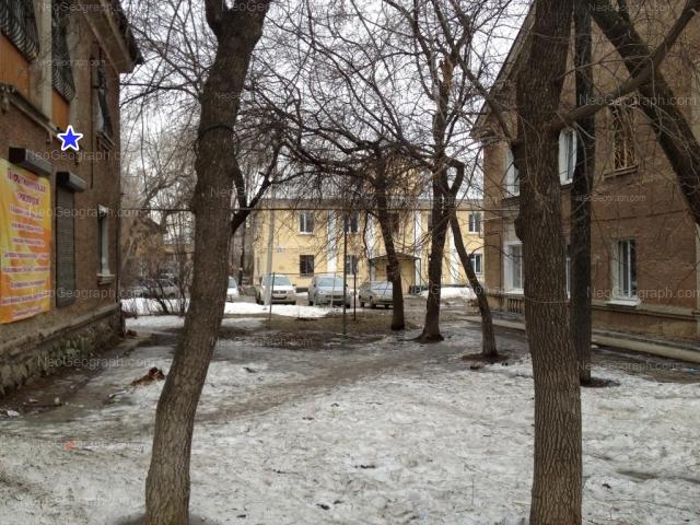 Адрес(а) на фотографии: улица Старых Большевиков, 37, 37А, 37Б, Екатеринбург