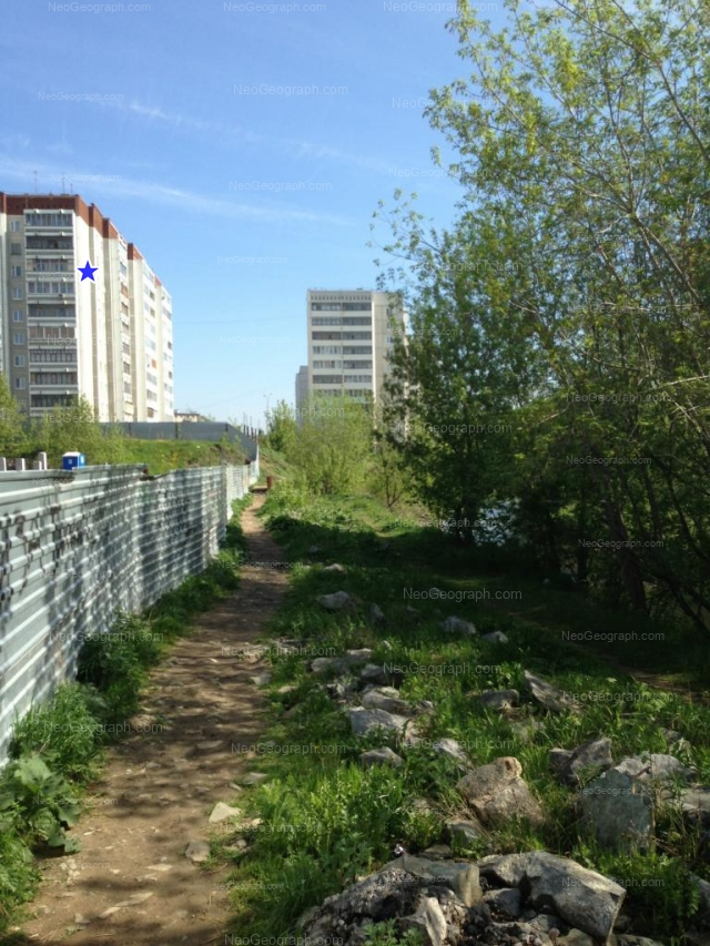 Адрес(а) на фотографии: Бисертская улица, 16 к1, 16 к3, Екатеринбург