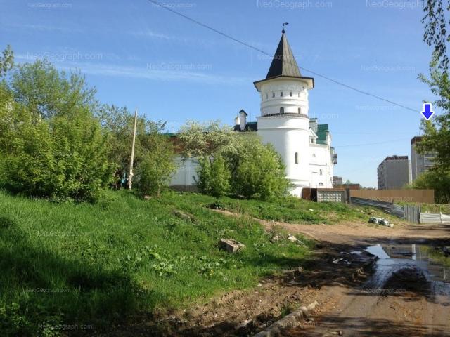 Адрес(а) на фотографии: Бисертская улица, 12в, 16 к1, 16 к2, Екатеринбург