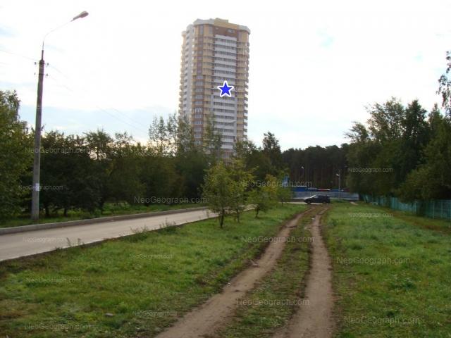Адрес(а) на фотографии: улица Академика Постовского, 6, Екатеринбург