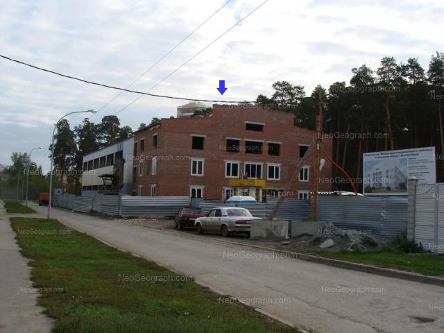 Адрес(а) на фотографии: улица Академика Постовского, 11, Екатеринбург