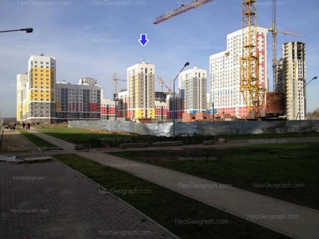 Адрес(а) на фотографии: улица Краснолесья, 149, 151, 155, 157, 159, Екатеринбург