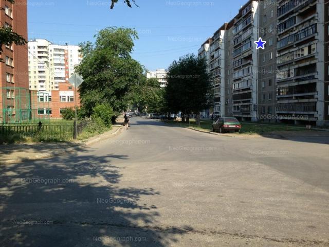 Адрес(а) на фотографии: улица Ильича, 26, 28, 33, 35, Екатеринбург