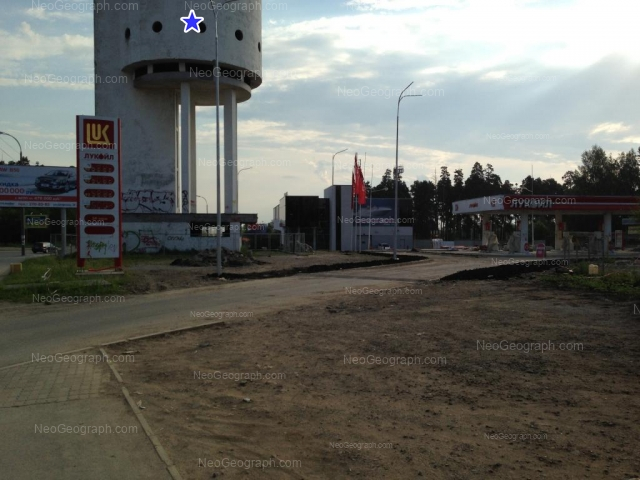 Адрес(а) на фотографии: улица Бакинских Комиссаров, 2, 2а лит1, Екатеринбург
