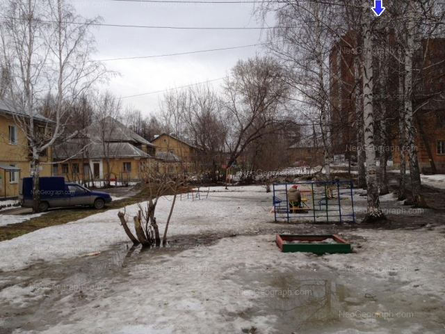 Адрес(а) на фотографии: улица Старых Большевиков, 29А, 33, 35, Екатеринбург