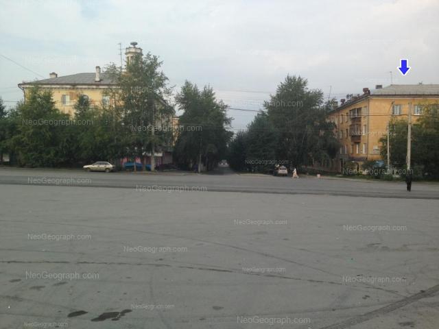 Адрес(а) на фотографии: улица Старых Большевиков, 25, 27, Екатеринбург
