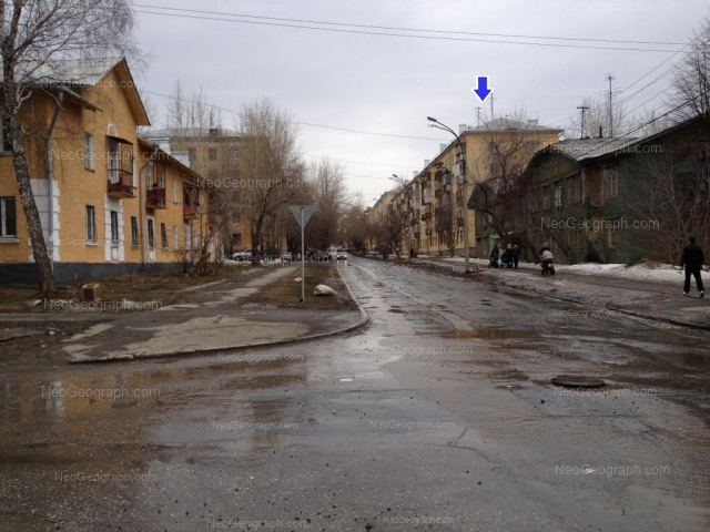 Адрес(а) на фотографии: улица Стачек, 25, 27, 30, 34, Екатеринбург