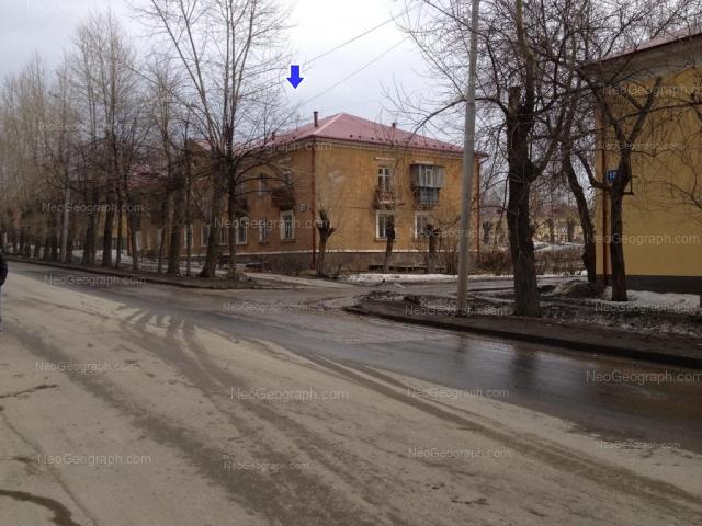 Адрес(а) на фотографии: улица Краснофлотцев, 18, 20, 22, Екатеринбург