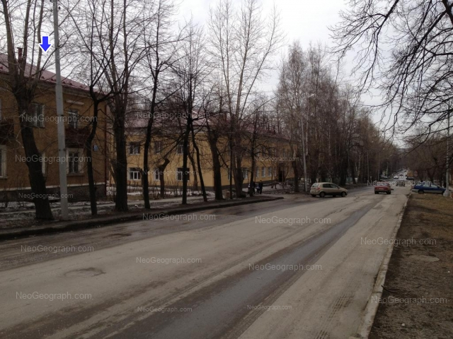 Адрес(а) на фотографии: улица Краснофлотцев, 18, 20, Екатеринбург
