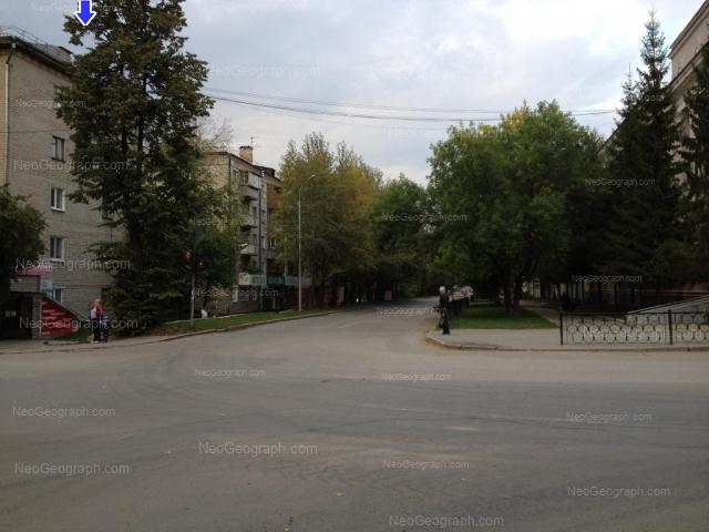 Адрес(а) на фотографии: улица Бабушкина, 16, 18, Екатеринбург
