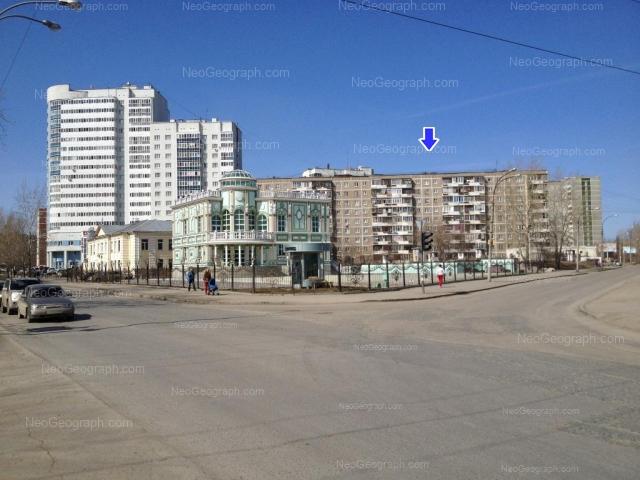 Адрес(а) на фотографии: улица Пехотинцев, 21, 21а, 23, 25, Екатеринбург