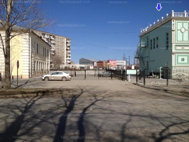 Адрес(а) на фотографии: улица Пехотинцев, 21, 23, 25, Екатеринбург